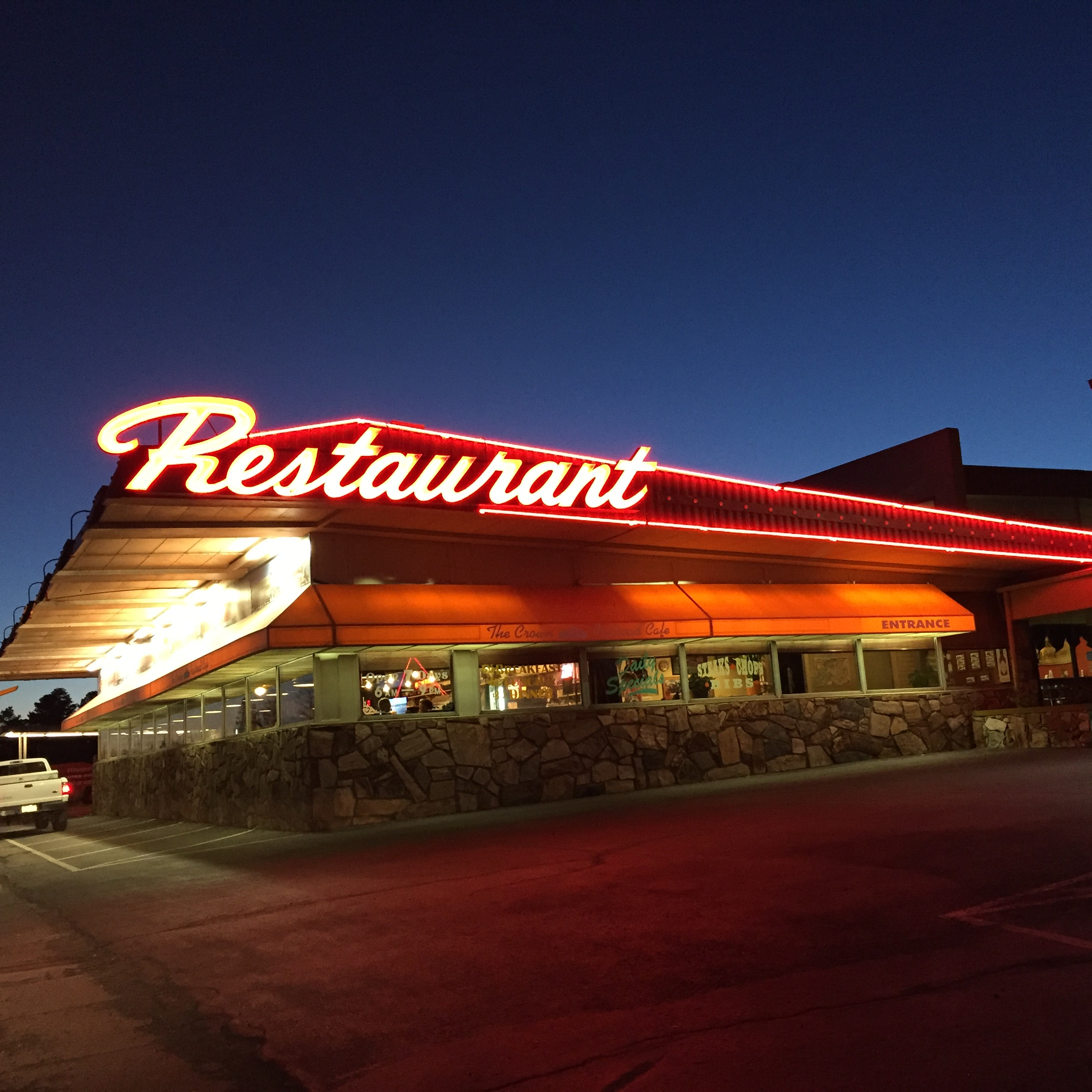 F Rt 66 neon Restaurant sign